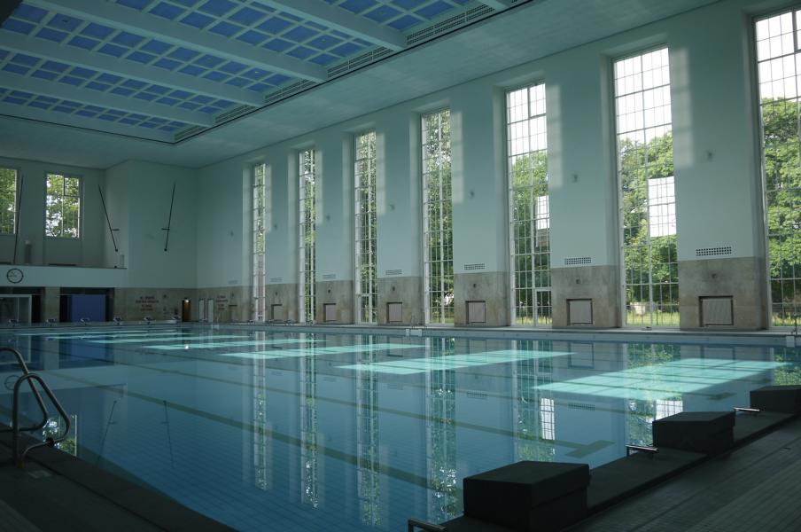 Big schwimmhalle finckensteinallee for Finckensteinallee schwimmbad